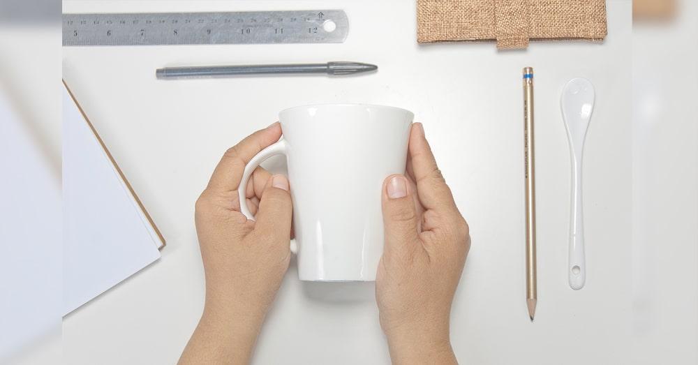 hand,hold white cup, ceramic,mug, screen ceramic,สกรีนเซรามิค
